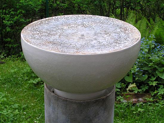 Platten burkhardt keramik im garten - Gartenbrunnen keramik ...